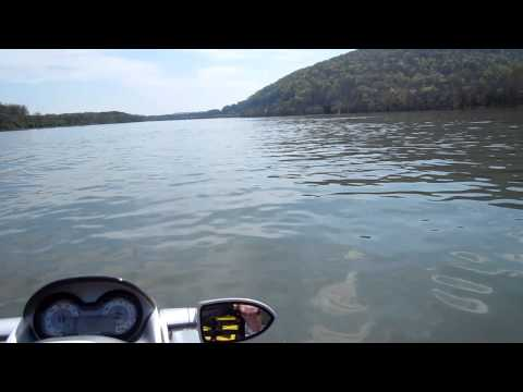 Jet Ski auf Tennessee River Maerz 2012