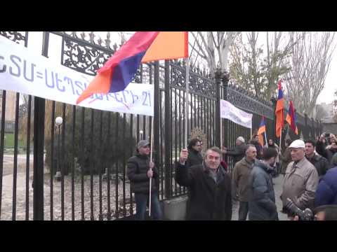 Armenians Protest Treaty to Join Russian-Led Eurasian Economic Union