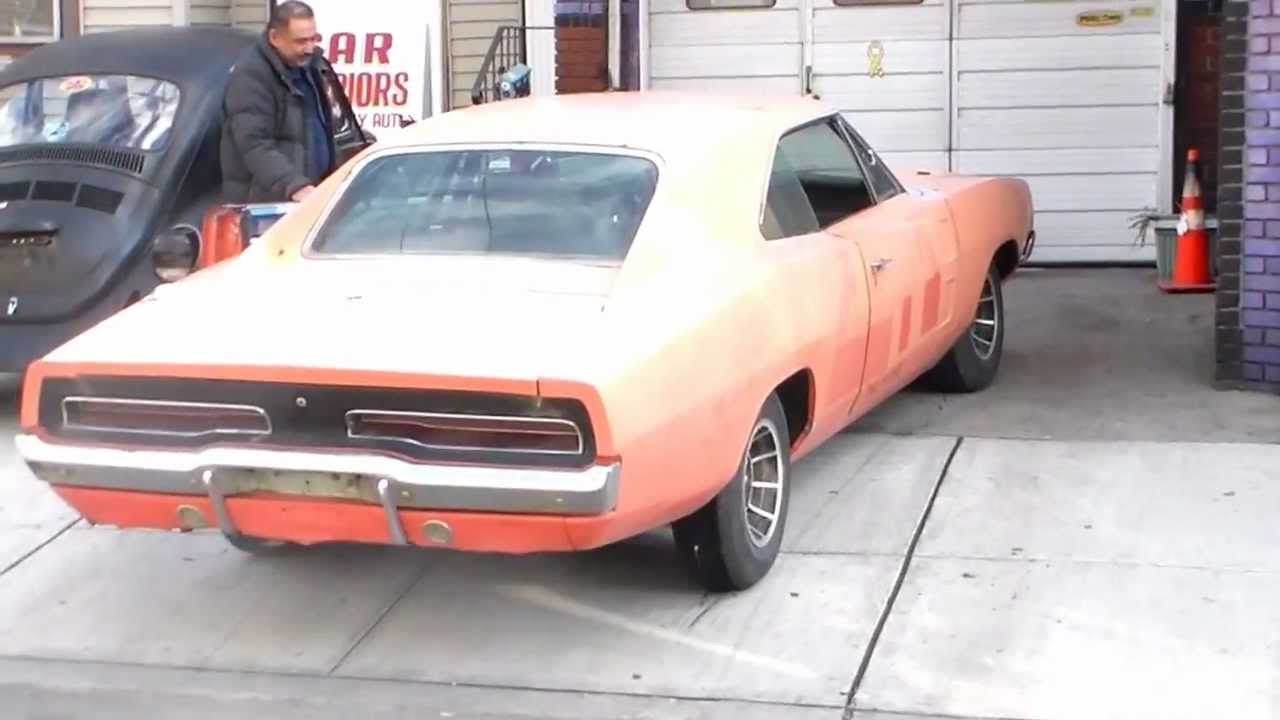 2012 Dodge Charger For Sale >> Traveler John Schneiders 1969 Dodge Charger - YouTube