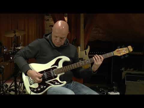 Burns John Rostill Shadows Bass presented by Vintage-Guitar Oldenburg