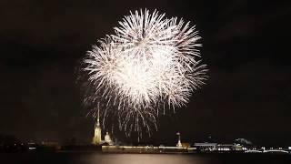 Новогодний салют 2018 в Санкт-Петербурге