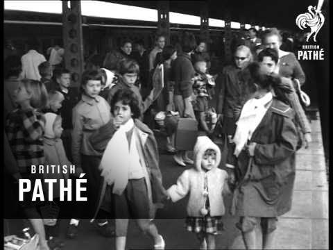 Europeans Arrive In Bulawayo From Belgian Congo (1960)