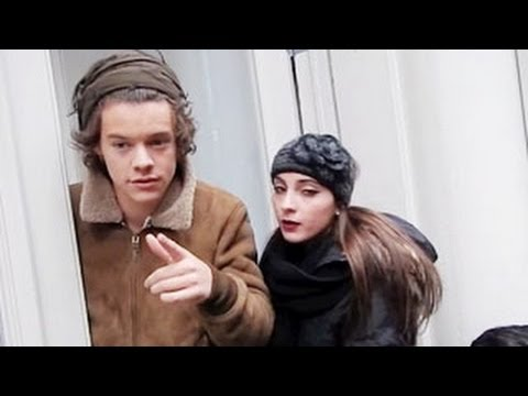 Harry Styles Warns Paparazzi to Not Take His Photos
