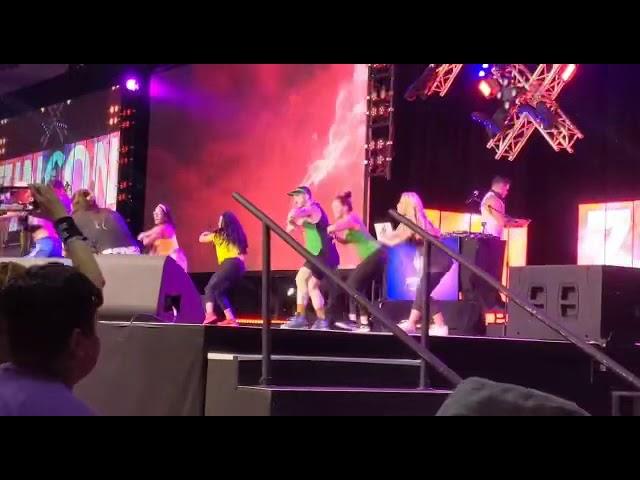 ZINCON 2019 - on stage with ZES Marcie! 💚