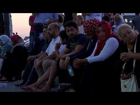 Turchia, a migliaia lasciano il carcere: servono celle libere per i presunti golpisti