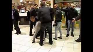 Jeunes russes vs sécurité