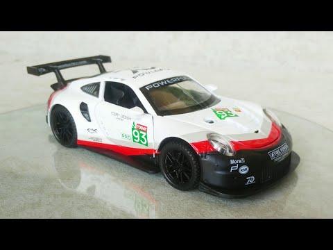 Porsche 911 RSR Le Mans 1:32 Scale XHD Diecast Car
