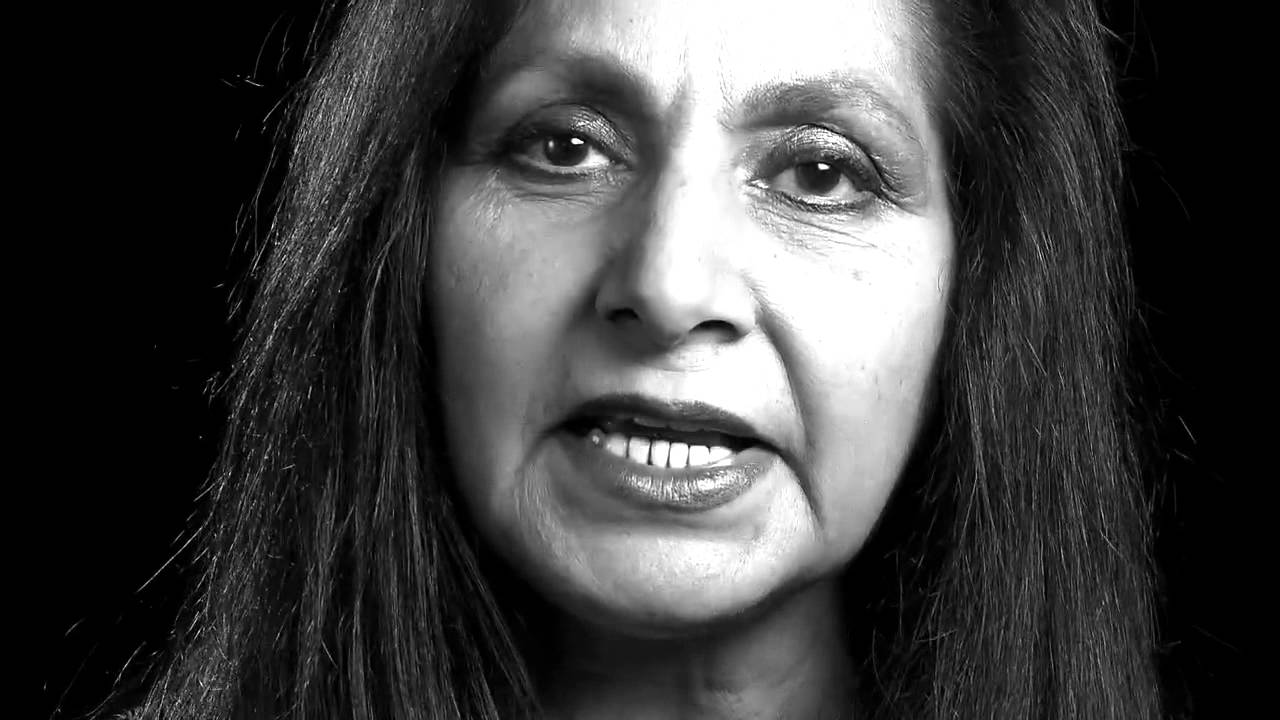 imtiaz dharker Imtiaz dharker was born in pakistan, raised in glasgow, and now lives between london and mumbai she works as a documentary film-maker in india, and is also an artist.