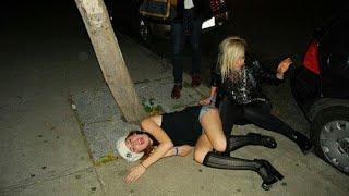 Пьяную женщину трахает на камазе, мамочки раздвигают ноги фото