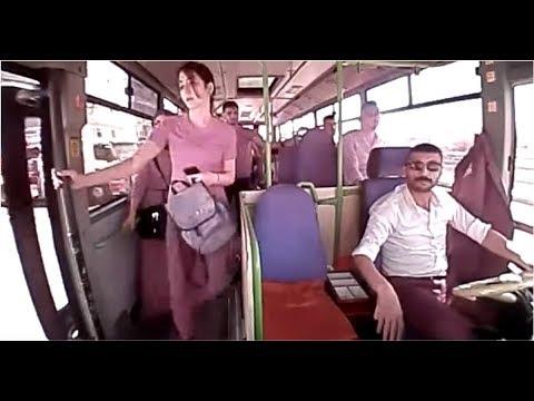 Невнимательная девушка вышла из автобуса на скорости 30 км/ч и упала под его колесо