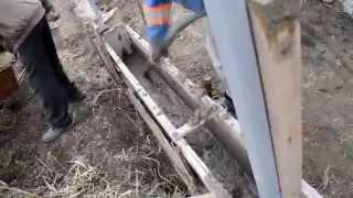 видео Этапы бетонирования столбов для забора