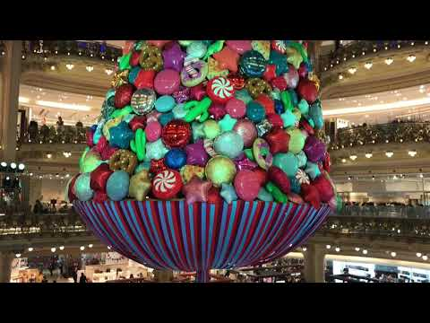 The 2017 Christmas Tree at Galeries Lafayette, Paris