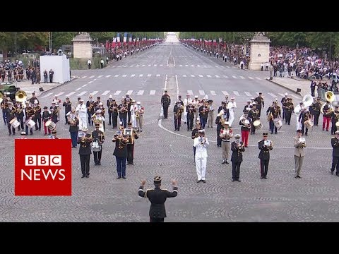 Bastille Day: French army band plays Daft Punk - BBC News