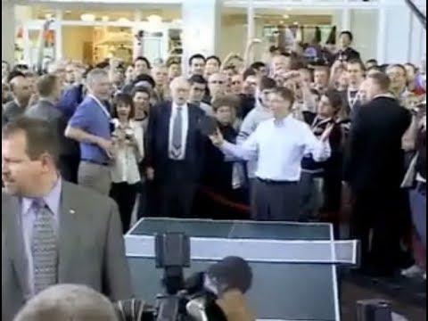 Mr. Buffett the Teacher: Berkshire Hathaway Shareholder Weekend (2007)
