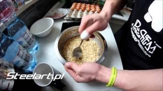 Jajecznica z białek jaj i płatków owsianych na słodko Steelart.pl 2017 Video