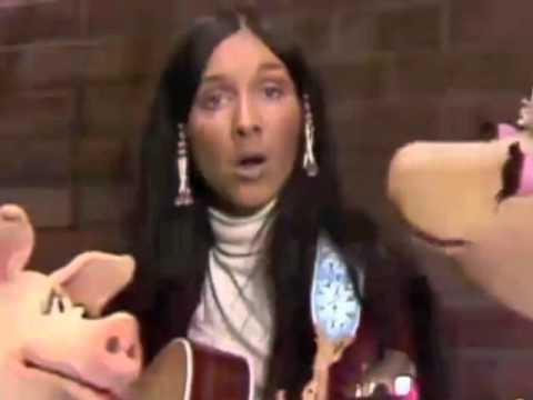 "Classic Sesame Street - Buffy Sainte Marie sings ""Gonna Be a Country Girl Again"""