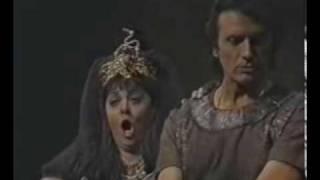 Fiorenza Cossotto & Franco Corelli: L'aborrita rivale a me sfuggia ... Già i Sacerdoti adunansi
