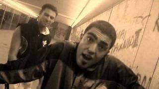 Смотреть клип Tus & Dimitris - Oi Theoi Twn Thewn