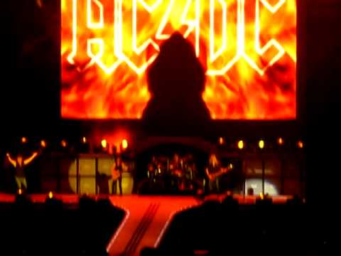 AC/DC - Highway to hell -HQ - Live in Athens!! - YouTube