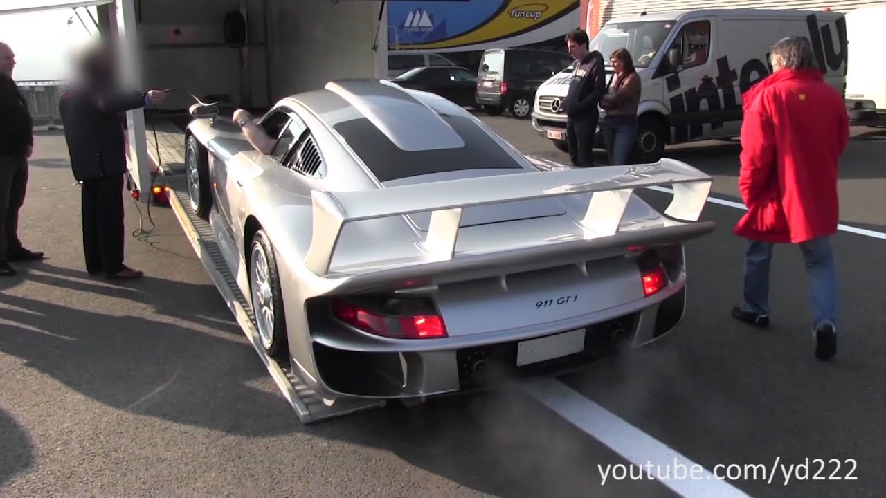 porsche 911 gt1 strassenversion unloading at spa francorchamps youtube. Black Bedroom Furniture Sets. Home Design Ideas