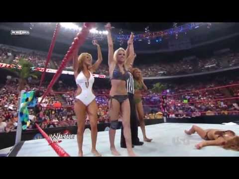 (Barefoot Match) WWE RAW: Swimsuit Tag Team Battle Royale, Maryse French Kisses Mickie James