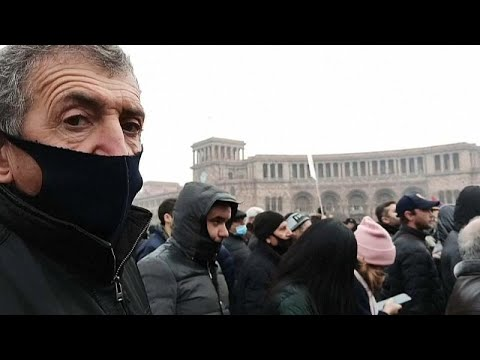 Противники Пашиняна заняли улицы Еревана