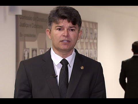 #falasenador: José Medeiros defende porte de arma para produtor rural