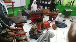 """Gambang Kromong Smkn 43 Jakarta """"kicir-kicir"""""""
