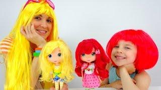 Видео для детей. Прогулка в студию. Шарлотта Земляничка, Маша, Ксюша и парики.