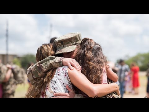 Emotional Military Homecoming! Welcome home! (BEST DAY EVER!!)