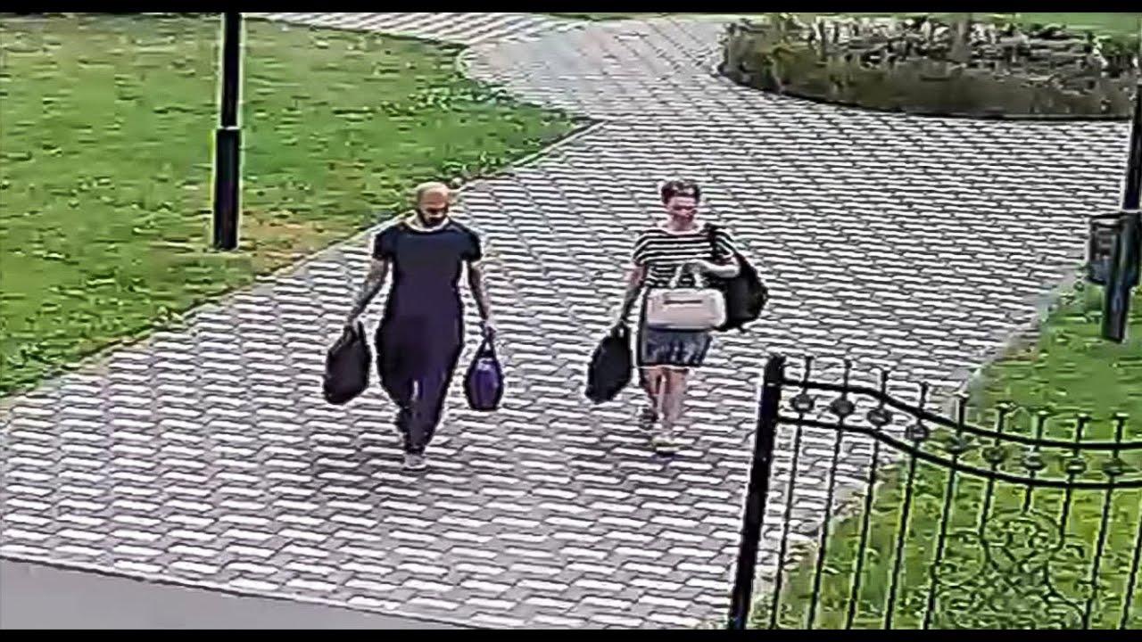 Невідомі особи викрали залишену без нагляду сумку з грошима. Просимо допомогти ідентифікувати осіб!
