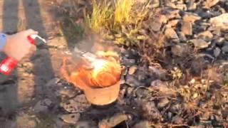 Бензин и Ацетон(«Минипожарный» (Minibombero) — малый аэрозольный баллон объемом 250 мл, который генерирует огнетушащую пену, спос..., 2016-01-23T10:40:02.000Z)