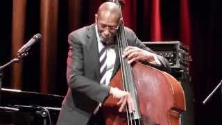 Ron carter soloinglast encore at internationales jazzfestival ebersbergalter speicher 16.10.2015excuse me, and nina, for filming this - but what a pity i...