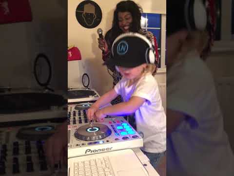 DJ Archie and Kele Le Roc Remixing the Garage classic MY LOVE (10 degrees below remix) **Full Clip**