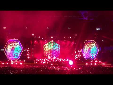 Coldplay Brisbane 2016 - First 10mins AHFOD and Yellow