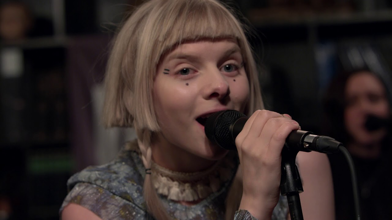 Aurora - Gentle Earthquake (Live on KEXP)