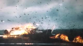 Падение самолета-одна из эпичных сцен из фильма-Знамение
