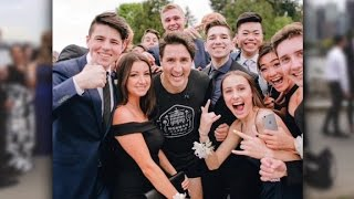 Canadian PM Trudeau photobombs prom picture