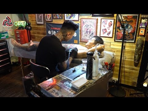 A Tattoo Artist In HK: I'm Just A Listener And Recorder Of Your Story   一位香港纹身师的日常,你留下的故事我会帮你永远记住