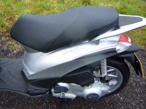 review of new piaggio liberty 125 for sale at classicmopedspares