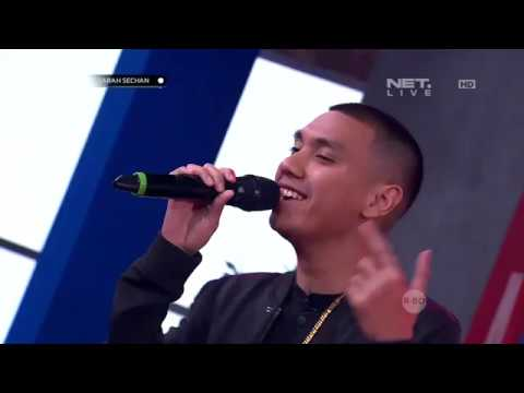 Rayi Putra - Pretty Girl (Performance)