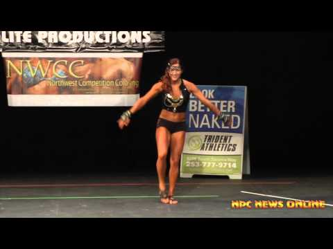 2014 NPC Northern Classic Guest Poser Danielle Schemm IFBB Pro