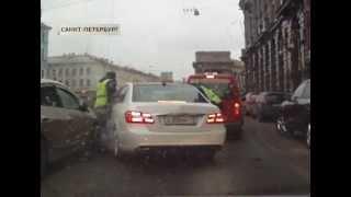 Павел Дуров сбил полицейских?