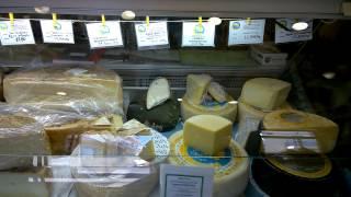 красивая сырная лавка в Хоре, Наксос, июнь 2014(красивый, оформленный в традиционном стиле магазинчик сыров и прочих даров природы. Наксос производит..., 2014-06-26T16:00:42.000Z)