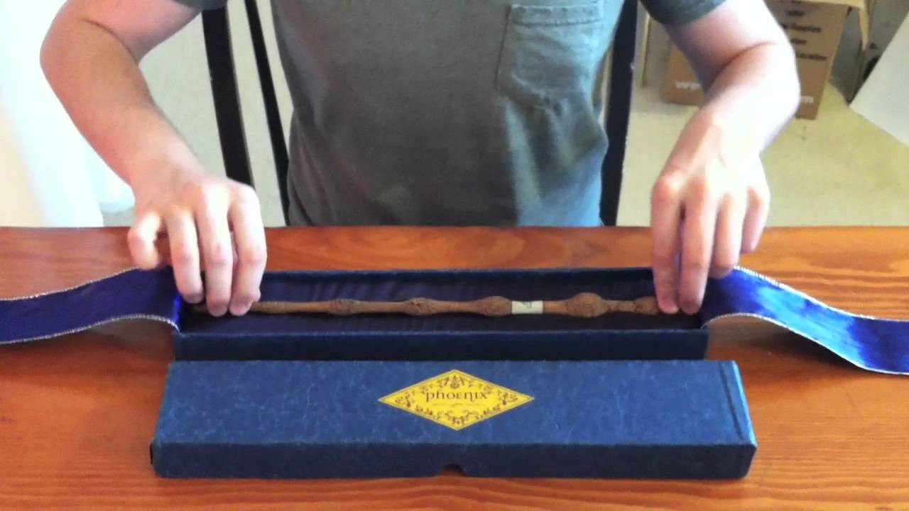 Harry potter wooden elder wand youtube for Wooden elder wand