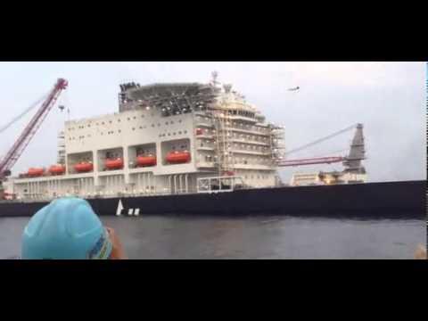 World's biggest crane ship Pieter Schelte sets sail for Rotterdam