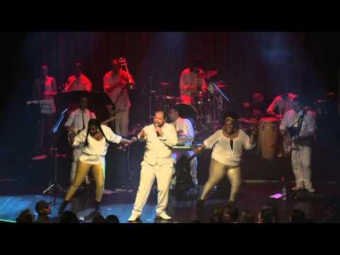 Medley: Jeito Sexy/Dançando Com a Vida/Joga Fora - Tiago Abravanel (Baile do Abrava)
