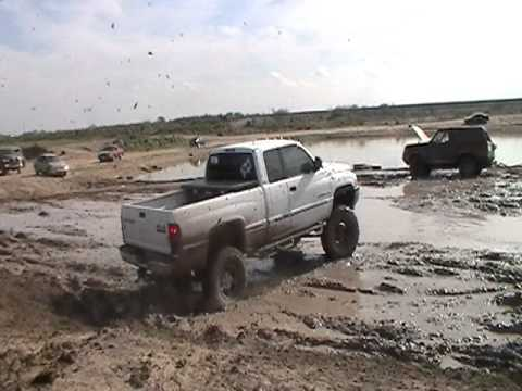 Pharr, Texas mud pit 4x4 trucks lifted mudding - YouTube