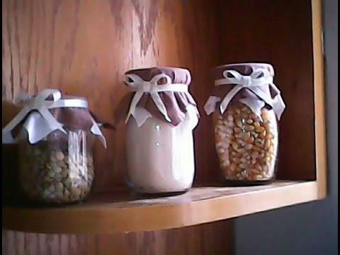 Como reciclar frascos de vidrio para decorar la cocina diy for Como decorar una cocina