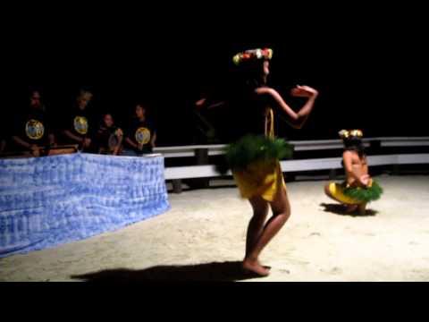 Dancers in Aitutaki - Cook Islands